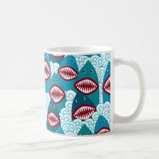 Verärgerte Haifische Tasse