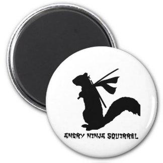 Verärgerte Ninja Eichhörnchen-Sammlung Runder Magnet 5,7 Cm