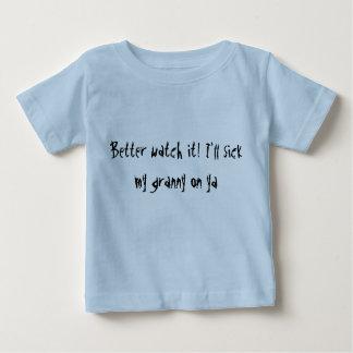 Verbessern Sie Uhr es! Ich werde Kranker meine Oma Baby T-shirt