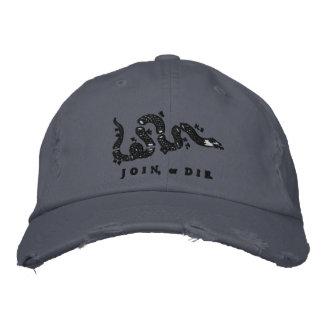Verbinden Sie oder die gestickten Hut