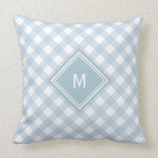 Verblaßter blauer Gingham mit Diamant-Monogramm Kissen