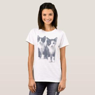 Verblaßter Kätzchen-Druck T-Shirt