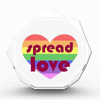 Verbreiten Sie homosexuelle Liebe Auszeichnung