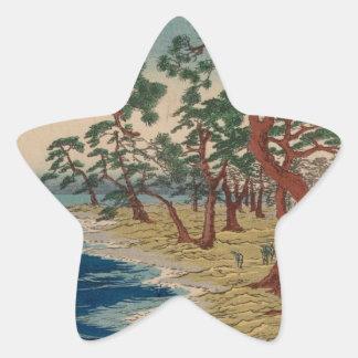 Verdrehte Bäume durch das Ufer Stern-Aufkleber