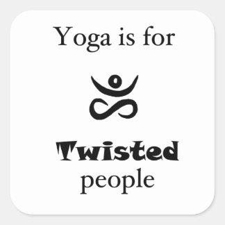 Verdrehtes Yoga Quadratischer Aufkleber