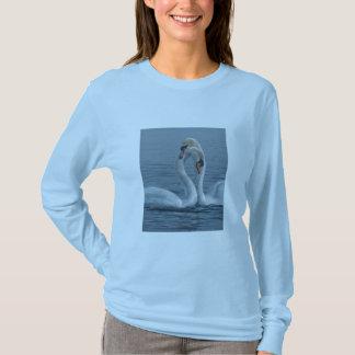 Verengungs-Schwäne durch Terry Isaac T-Shirt