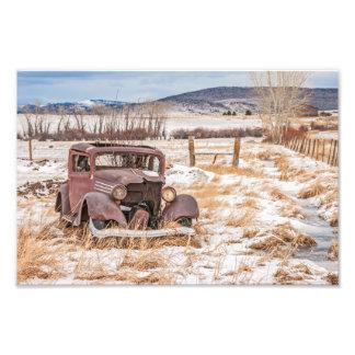 Verfallenes altes Fahrzeug, Winter, ländlich, Kunst Fotos