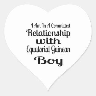 Verhältnis zum äquatorialen guineischen Jungen Herz-Aufkleber