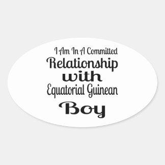 Verhältnis zum äquatorialen guineischen Jungen Ovaler Aufkleber