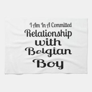 Verhältnis zum belgischen Jungen Geschirrtuch