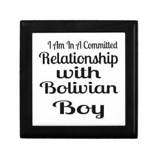 Verhältnis zum bolivianischen Jungen Erinnerungskiste