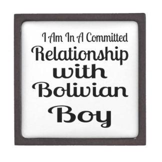 Verhältnis zum bolivianischen Jungen Schmuckkiste