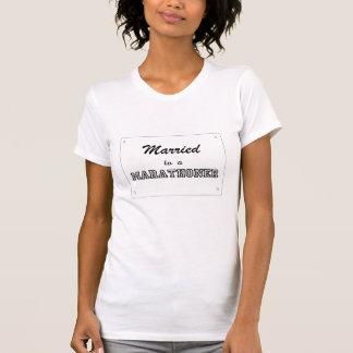 Verheiratet zu einem Marathoner T-Shirt