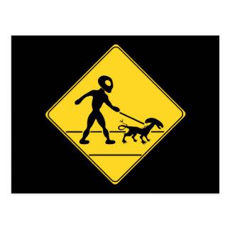 Verkehrsschild-alien-Kreuzung Postkarte