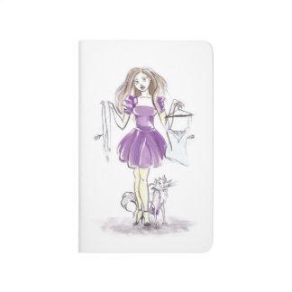 Verklemmtes Zeitschriften-Mode-Mädchen-und Taschennotizbuch