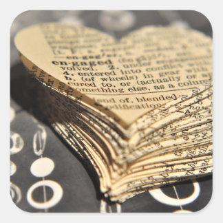 Verlobtes Wörterbuch-Herz Quadratischer Aufkleber