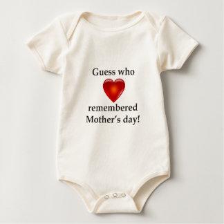 Vermutung, die an Muttertag sich erinnerte Baby Strampler
