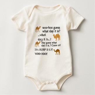 Vermutung, welcher Tag es ist? Baby Strampler