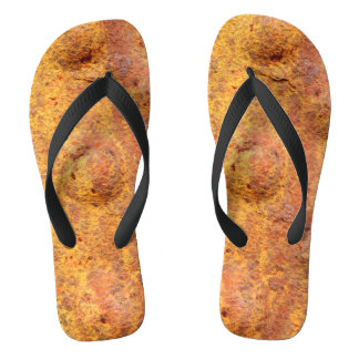 Verrostetes befestigtes Metall drehen Reinfälle um Flip Flops