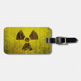 Verrostetes radioaktives Symbol Kofferanhängern