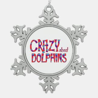 Verrückt über Delphine Schneeflocken Zinn-Ornament