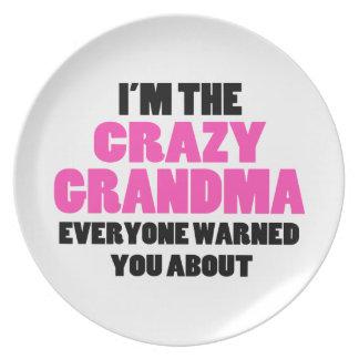 Verrückte Großmutter wurden Sie ungefähr gewarnt Teller