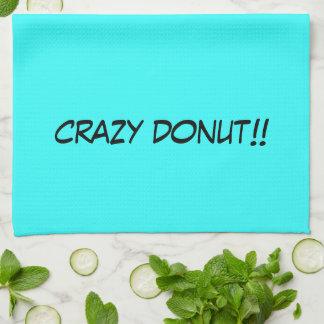 Verrückter Krapfen besprüht die Vanille, die süßen Geschirrtuch