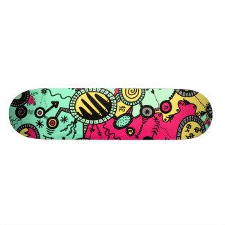 Verrücktes Farbgekritzel Skateboard