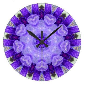 Verrücktes helles lila Muster-Fraktal Große Wanduhr