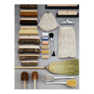 Verschiedene Bürstenköpfe und -mops Postkarte
