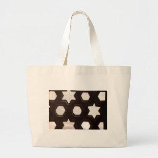 Verschiedene Formen der Löcher Einkaufstasche