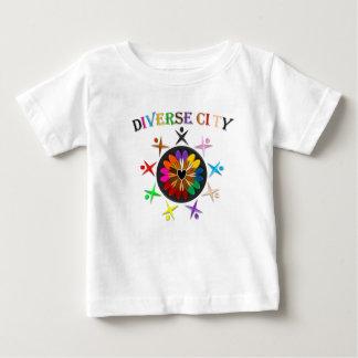 Verschiedene Stadt Baby T-shirt