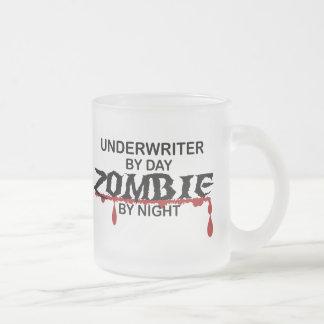 Versicherer-Zombie Matte Glastasse