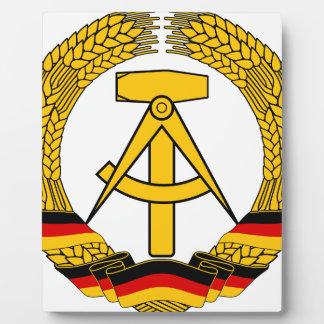Versinnbildlichen Sie der DDR - nationales Emblem Fotoplatte
