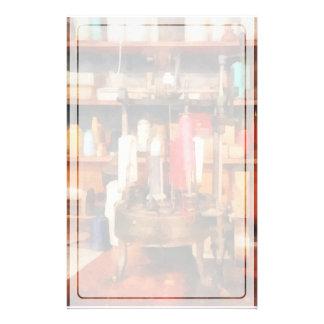 Versorgungen im Schneider-Geschäft Briefpapier