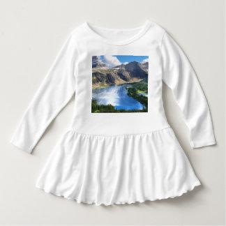 Versteckter See im Glacier Nationalpark Kleid