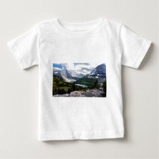 Versteckter See übersehen Glacier Nationalpark Baby T-shirt