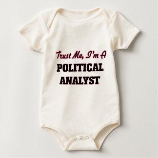 Vertrauen Sie, dass ich ich ein politischer Baby Strampler