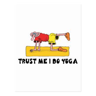 Vertrauen Sie, dass ich ich Yoga-Geschenk tue Postkarte