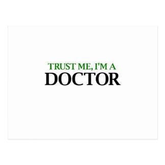 Vertrauen Sie mir, ich sind ein Doktor Postkarte
