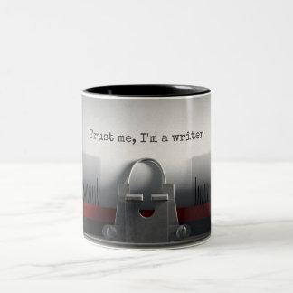 Vertrauen Sie mir Schreibmaschinen-Tasse Zweifarbige Tasse