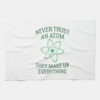 Vertrauen Sie nie einem Atom Handtuch