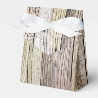 Verwitterte hölzerne Bretter mit rustikaler Patina Geschenkschachteln