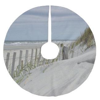 Verwitterter Zaun und Sanddünen am Strand Polyester Weihnachtsbaumdecke