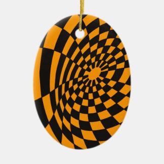Verworfenes gelbes und schwarzes Schachbrett Keramik Ornament