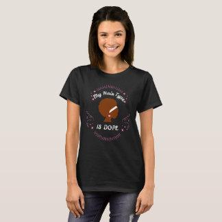 Verworrenes Haar des schwarze Frauen-natürliches T-Shirt