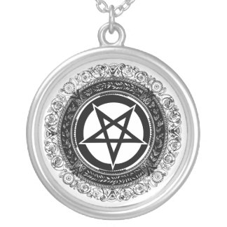 Verzierter Pentagram Versilberte Kette