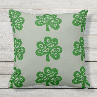 Verziertes keltisches Kleeblatt Kissen Für Draußen