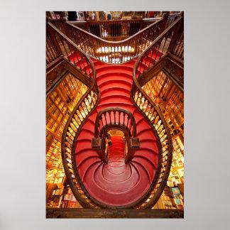 Verziertes rotes Treppenhaus, Portugal Poster