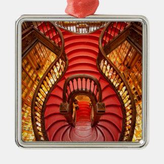 Verziertes rotes Treppenhaus, Portugal Silbernes Ornament